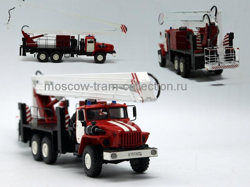 Коллекционная масштабная модель 1:43 Урал АКП-28 подъемник