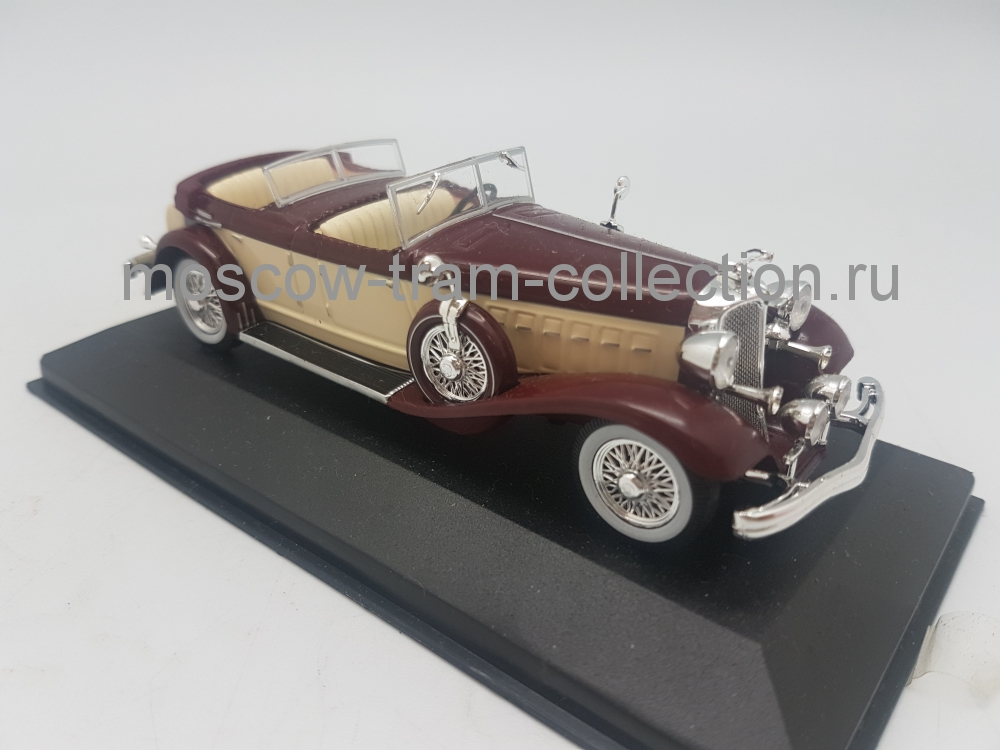 Коллекционная масштабная модель 1:43 Chrysler Imperial Le Baron Phaeton 1933