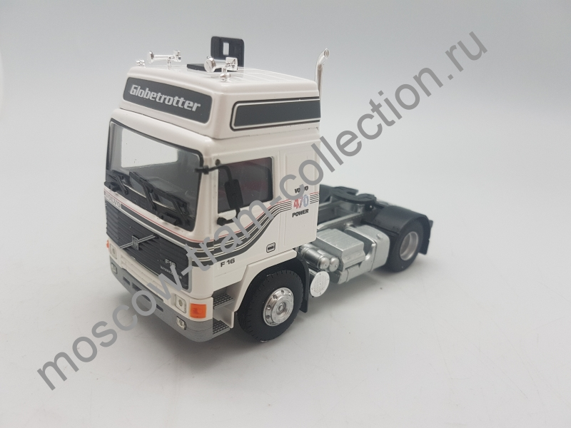 Коллекционная масштабная модель 1:43 Volvo F16 Globetrotter Blanc