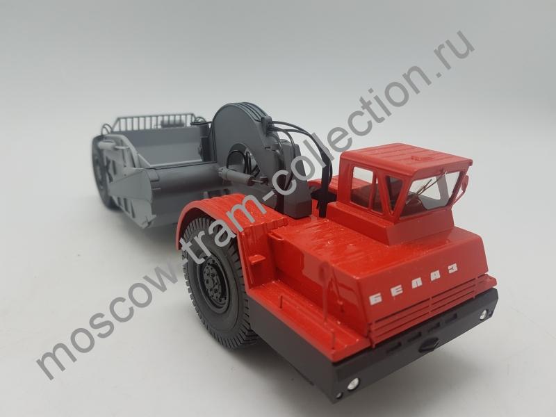 Коллекционная масштабная модель 1:43 БелАЗ-531 скрейпер Д-392 серийный двухцветный