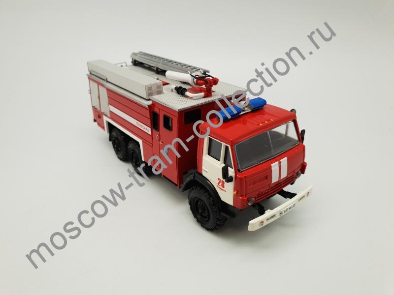 Коллекционная масштабная модель 1:43 АА-5/40 Аэродромный пожарный автомобиль (на базе КАМАЗ(6х6)