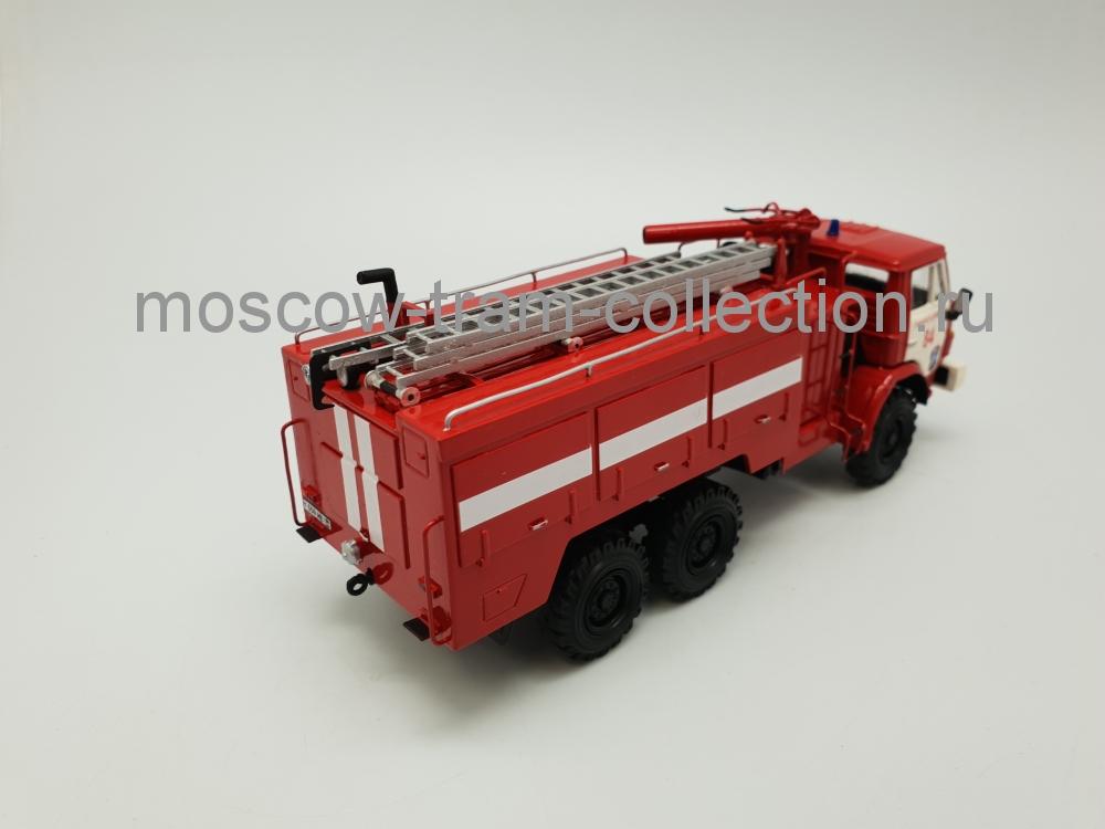 Коллекционная масштабная модель 1:43 АА-40 Аэродромный пожарный автомобиль (на базе КАМАЗ-43105) 6х6 ПЧ 84 Ликино-Дулево
