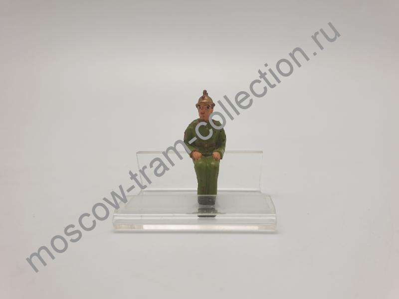 Коллекционная масштабная модель 1:43 Фигурка пожарный арт033