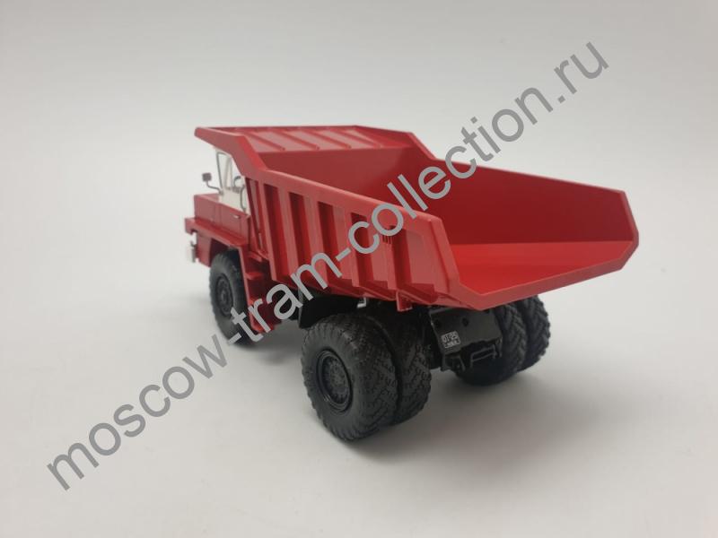Коллекционная масштабная модель 1:43 БЕЛАЗ-540 карьерный самосвал, красный выставочный