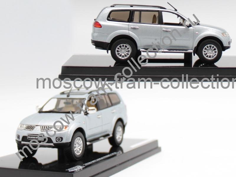 Коллекционная масштабная модель 1:43 Mitsubishi Pajero Sport silver