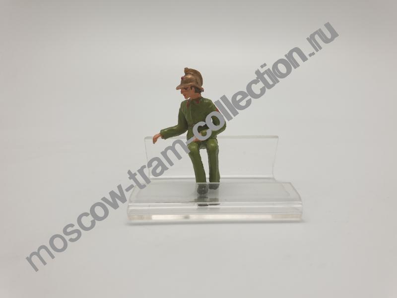 Коллекционная масштабная модель 1:43 Фигурка пожарный арт034
