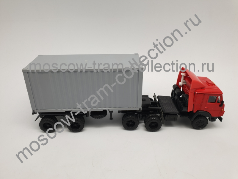Коллекционная масштабная модель 1:43 Камаз 5410 контейнеровоз