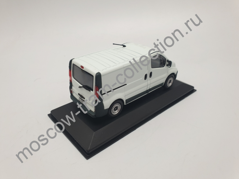 Коллекционная масштабная модель 1:43 Opel Vivaro white