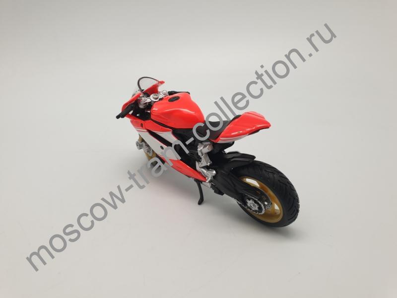 Коллекционная масштабная модель 1:43 Ducati 1199 Superleggera