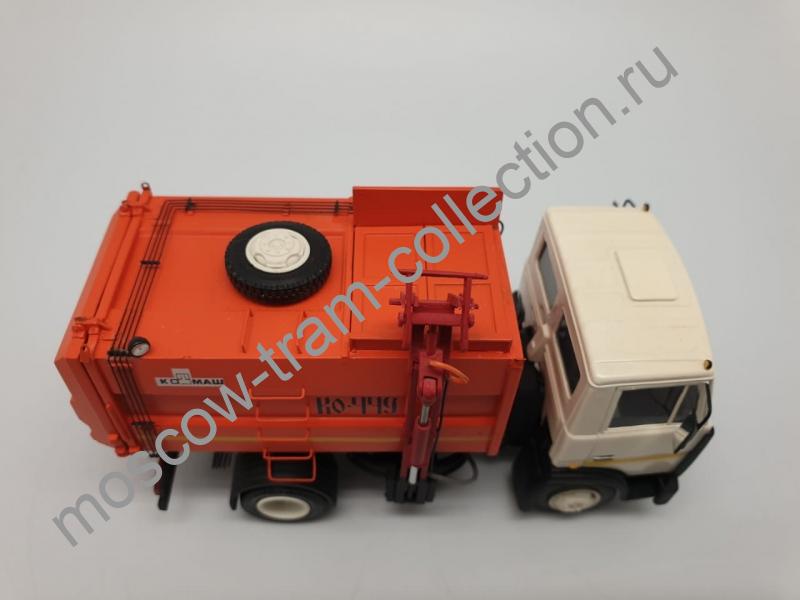Коллекционная масштабная модель 1:43 Маз 4570 КО-449
