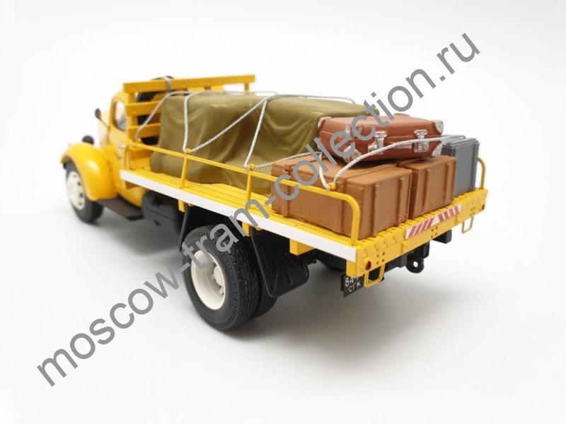 Коллекционная масштабная модель 1:43 ЗиС-150 обслуживание аэропорта (с багажом)