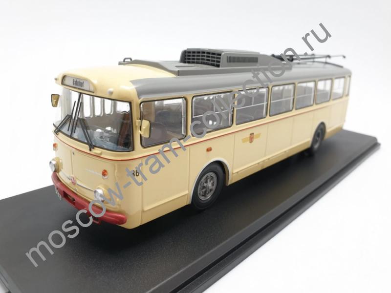 Коллекционная масштабная модель 1:43 Skoda-9TR