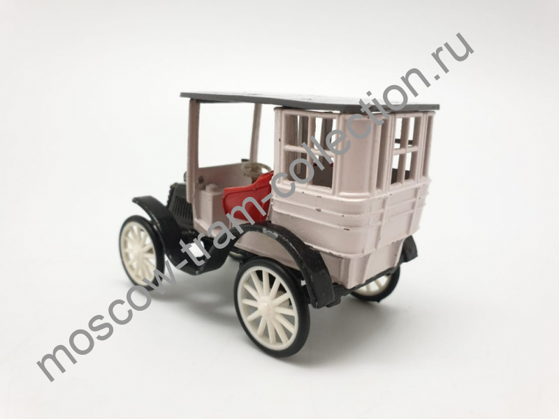 Коллекционная масштабная модель 1:43 Tonneau Panhard Levassord 1899г.