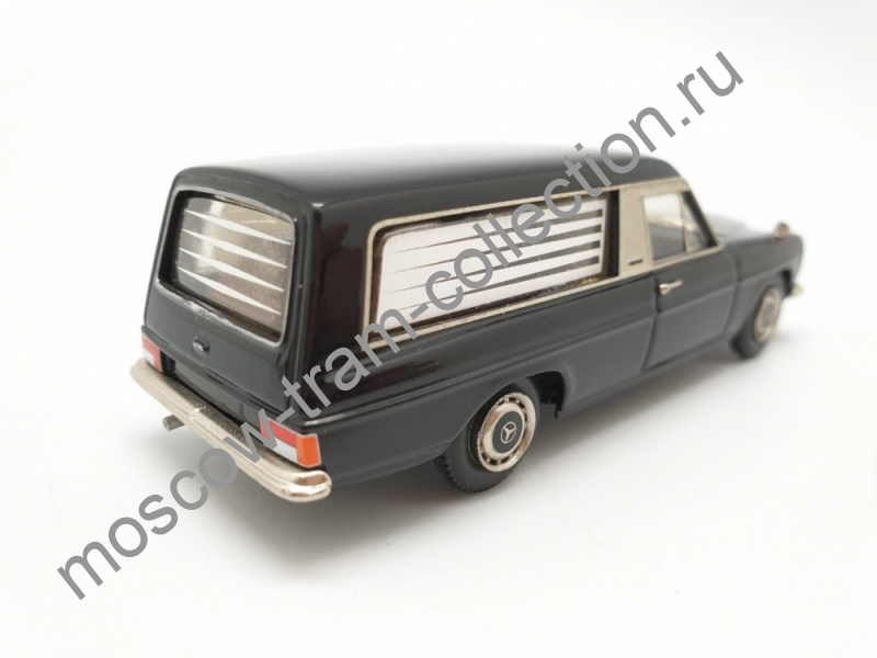 Коллекционная масштабная модель 1:43 Mercedes-Benz