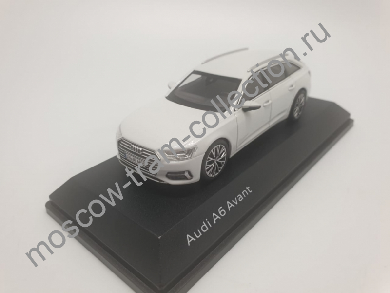 Коллекционная масштабная модель 1:43 Audi A6 Avant white