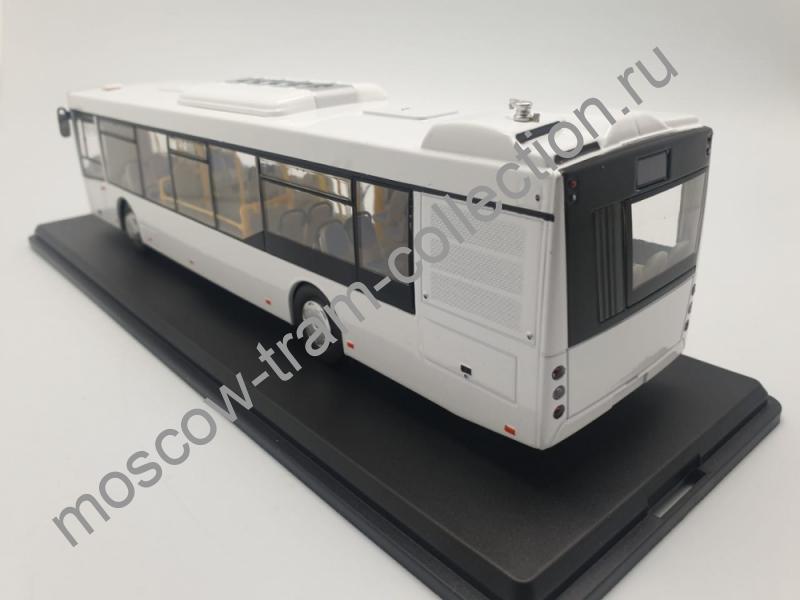 Коллекционная масштабная модель 1:43 Городской автобус МАЗ-203 (белый)