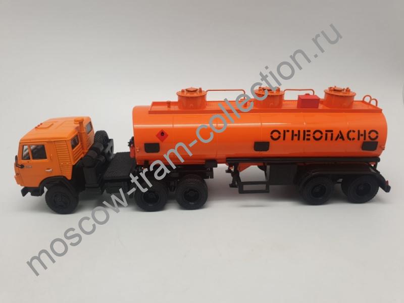 Коллекционная масштабная модель 1:43 КАМАЗ-54112 с полуприцепом НЕФАЗ-96742