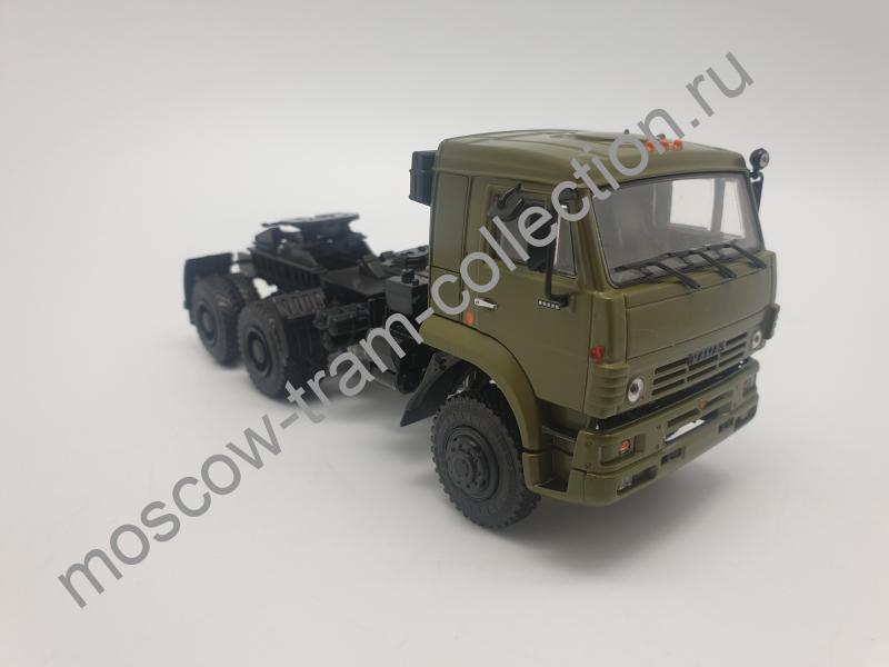 Коллекционная масштабная модель 1:43 КАМАЗ-65225 седельный тягач