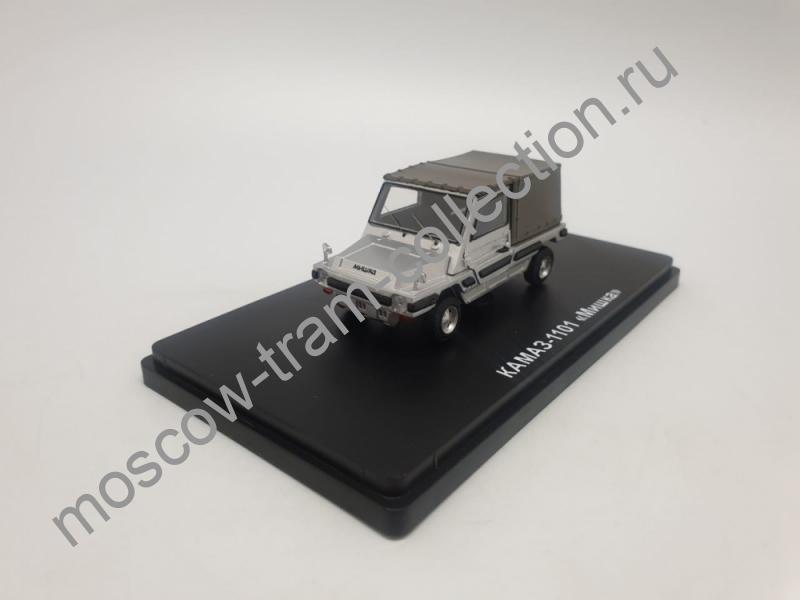 """Коллекционная масштабная модель 1:43 КАМАЗ-1101 """"Мишка"""""""