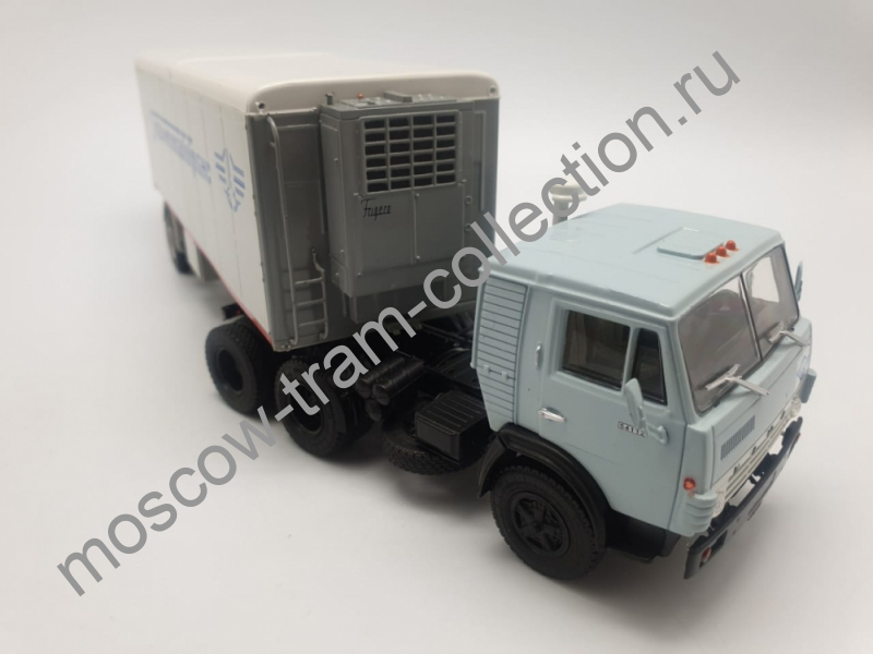 """Коллекционная масштабная модель 1:43 КАМАЗ-54112 с полуприцепом Alka-N13CH """"Главмежавтотранс"""""""