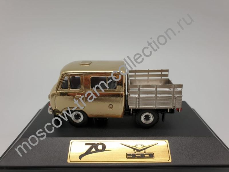 """Коллекционная масштабная модель 1:43 УАЗ-39094  """"Фермер"""""""