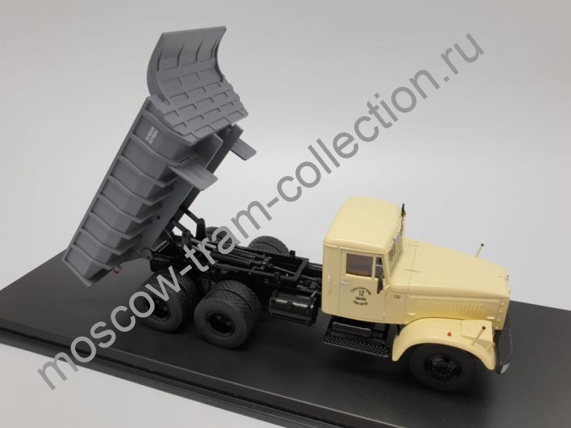 Коллекционная масштабная модель 1:43 Краз-256 Б1 самосвал бежевый