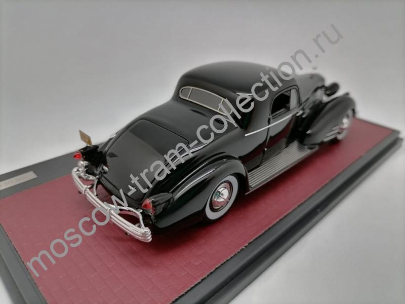 Коллекционная масштабная модель 1:43 Cadillac V-16 Series 90 Fleetwood Coupe 1937г.