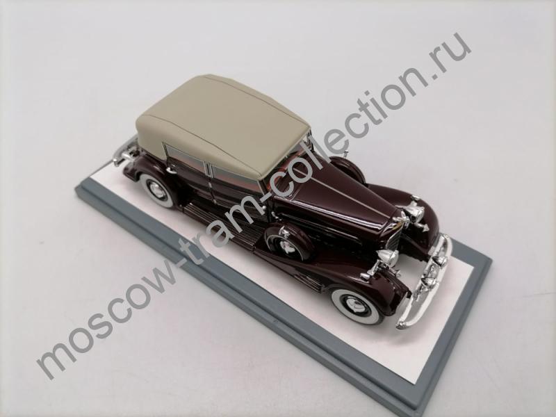 Коллекционная масштабная модель 1:43 Cadillac Fleetwood Allweather