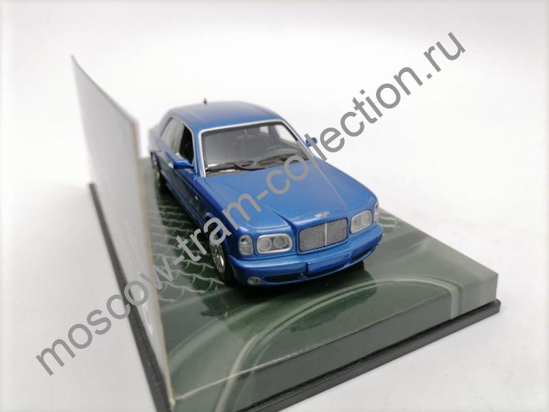 Коллекционные масштабные модели Bentley Arnage R 2001 blue