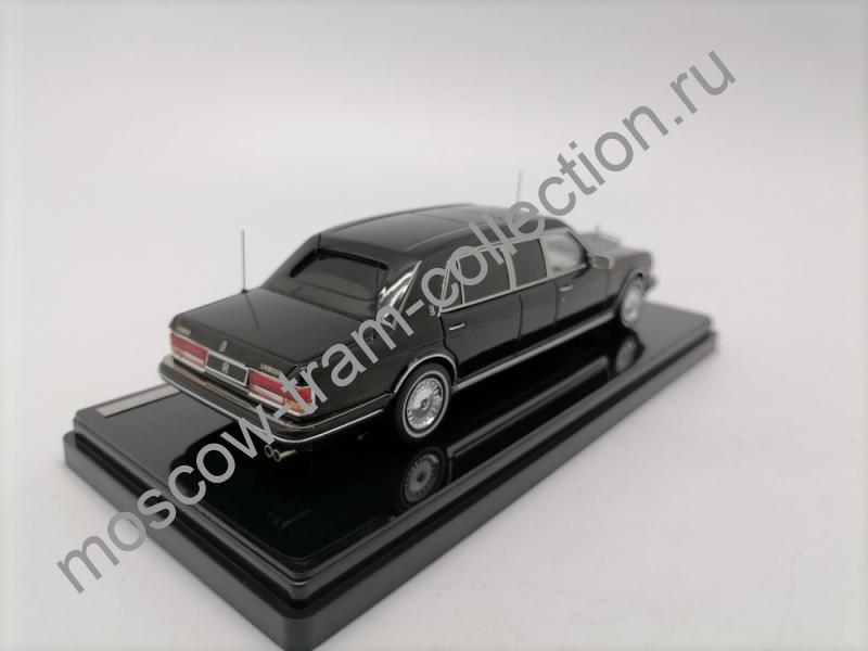 Коллекционная масштабная модель 1:43 Rolls-Royce Silver Spur II Limousine 1991g.