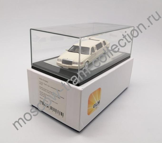 Коллекционная масштабная модель 1:43 Lincoln Town Car Limousine