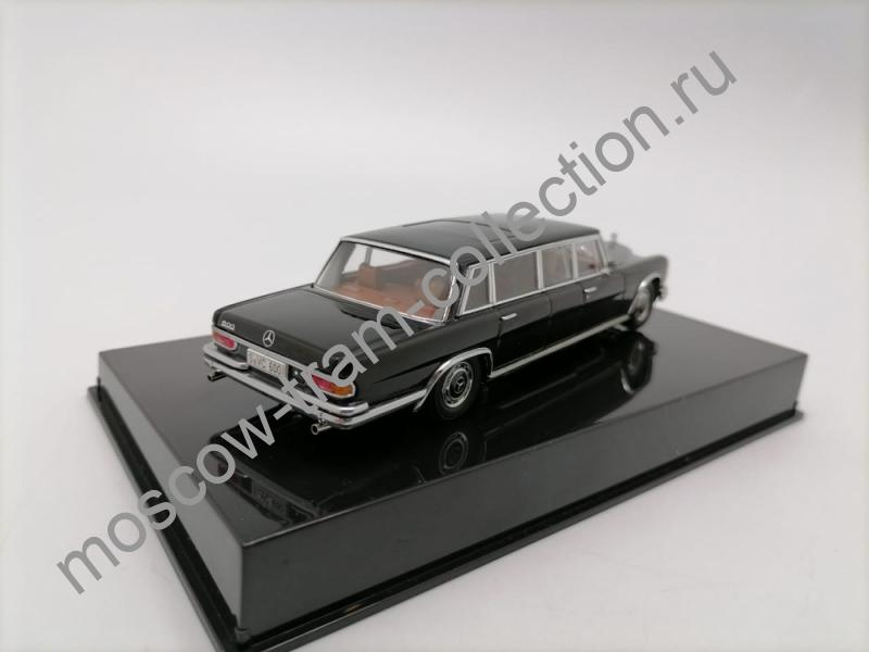 Масштабная коллекционная модель Mercedes-Benz Typ 600 LWB черный