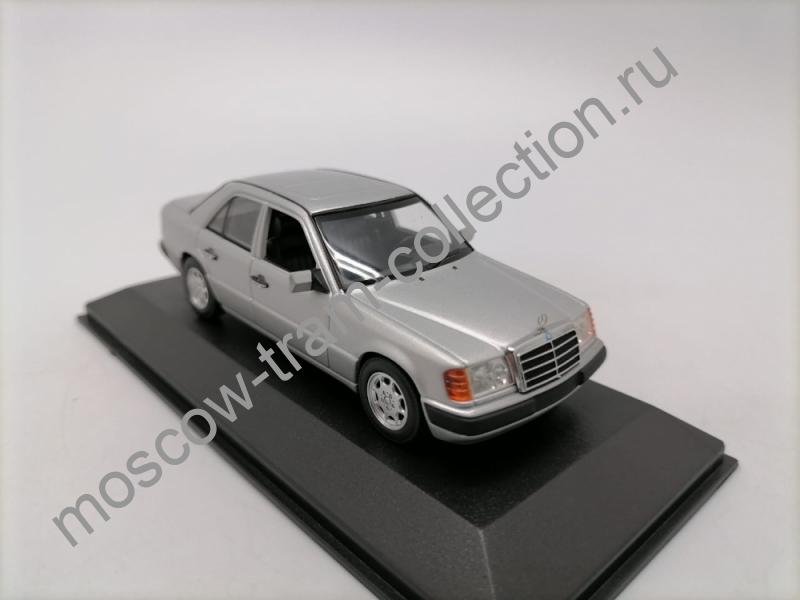 Коллекционная масштабная модель 1:43 Mercedes-Benz 230E silver