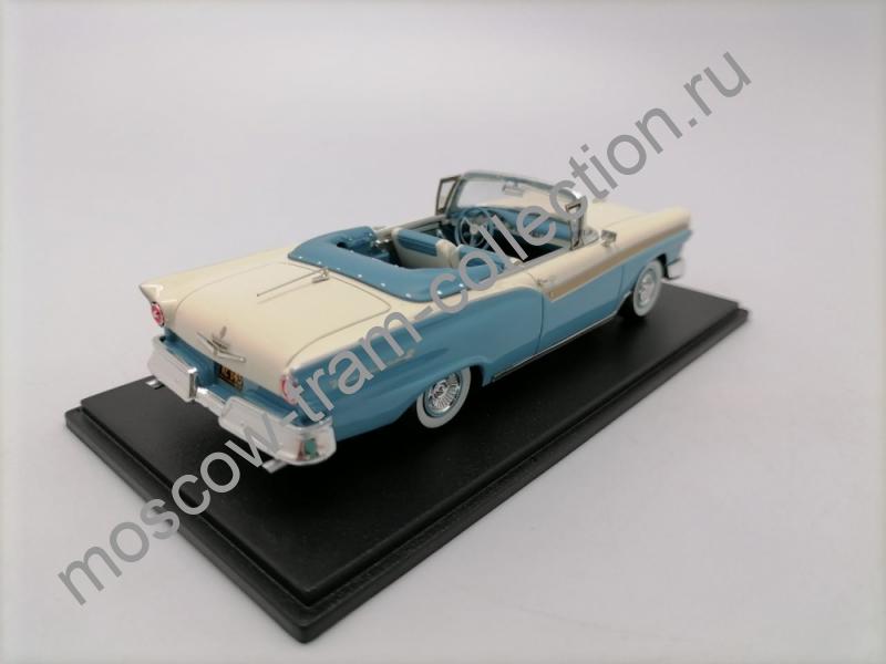 Коллекционная масштабная модель 1:43 Ford Fairlane 500 Convertible light blue whit 1957g.арт.46045