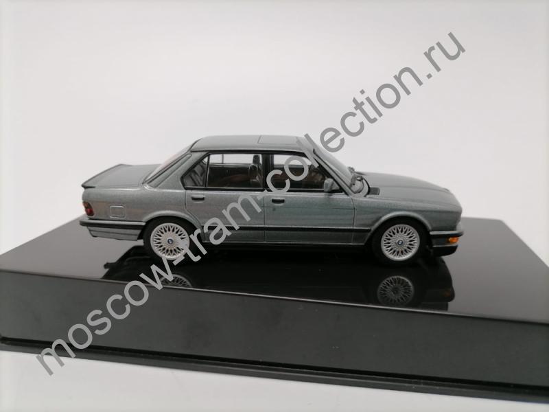 Коллекционная масштабная модель 1:43 BMW M5 (E28)