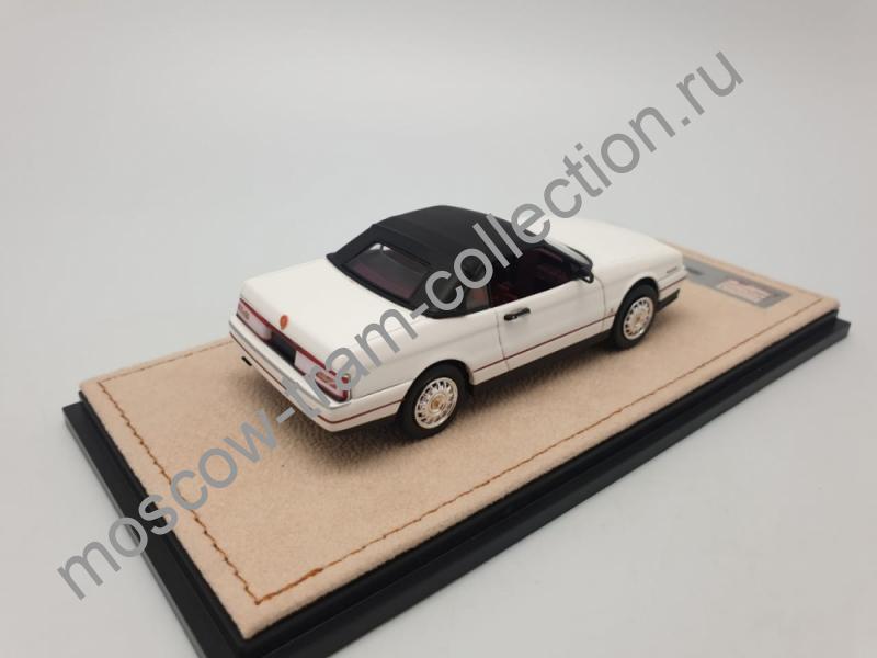 Коллекционная масштабная модель 1:43 Cadillac Allante 1993 арт.STM 93802