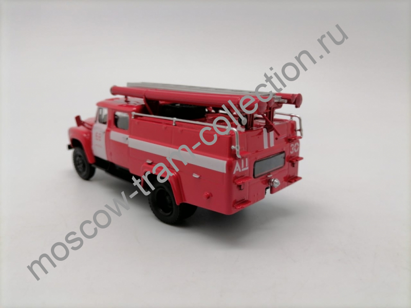 Коллекционная масштабная модель 1:43 АЦ-30 (130) Москва (красный) арт.101340