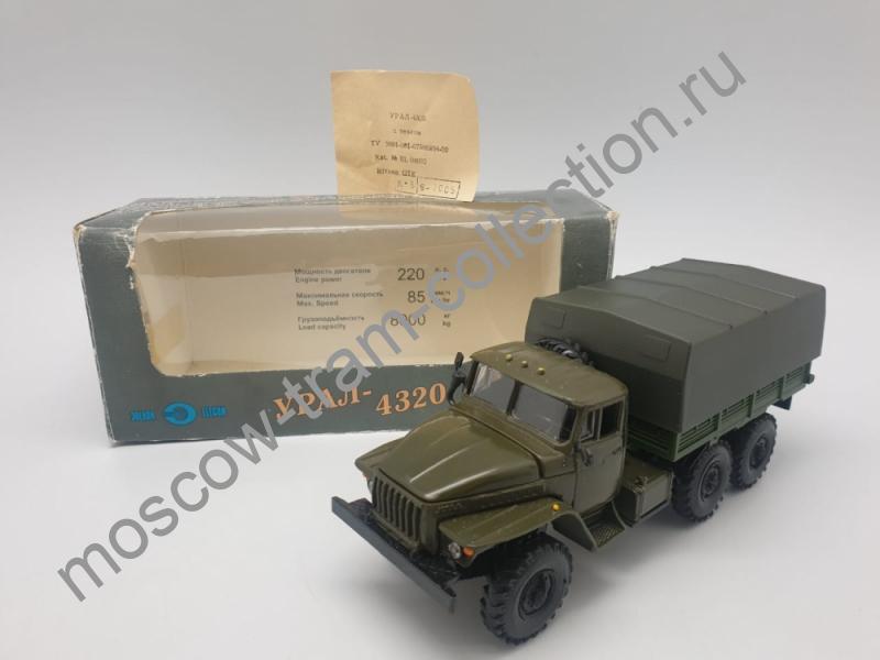 Коллекционная масштабная модель 1:43 Урал-4320 хаки, бортовой с тентом + вкладыш